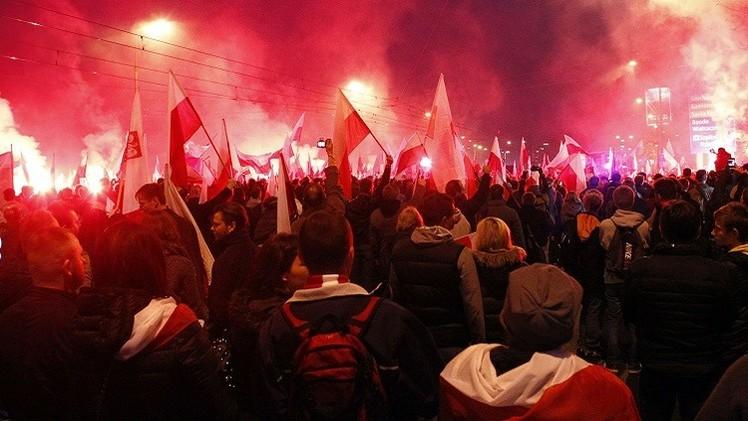 بولندا.. اشتباكات بين الشرطة ومحتجين مناهضين للاجئين المسلمين في غدانسك