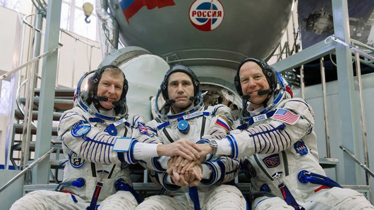 تحديد الطاقم الأساسي والاحتياطي للرحلة الى المحطة الفضائية الدولية