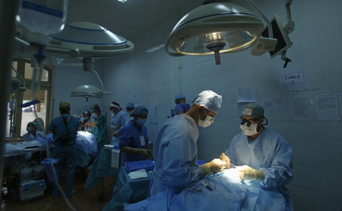 دراسة .. الموسيقى تخفف الألم قبل وأثناء وبعد الجراحة