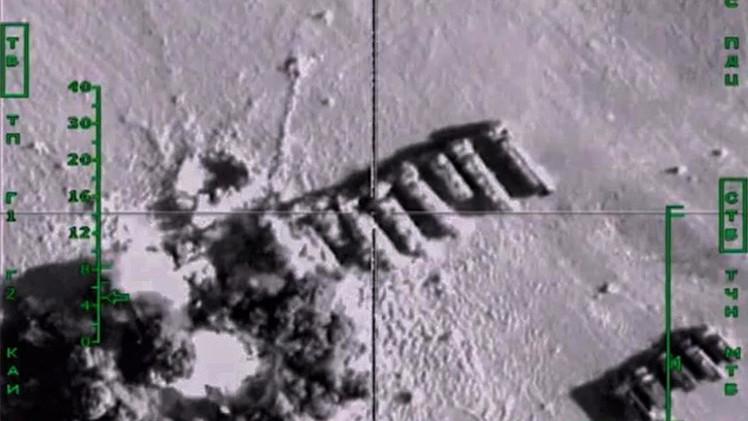 قناة تلفزيونية أمريكية تعرض الضربات الجوية الروسية في سوريا على أنها أمريكية!
