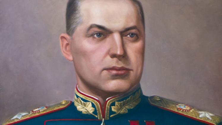 قسطنطين روكوسوفسكي مارشال الاتحاد السوفيتي ووزير الدفاع البولندي