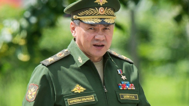 وزير الدفاع الروسي يصل القاهرة على رأس وفد رفيع