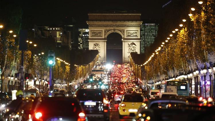 انخفاض حجوزات الطيران إلى باريس بسبب الهجمات