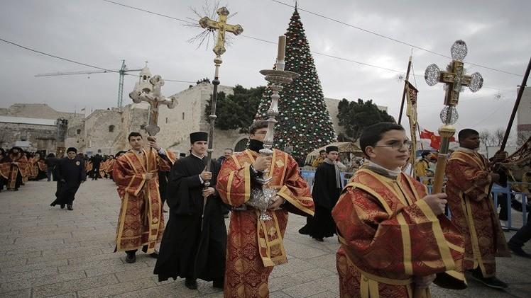مسيحيو فلسطين يقتصرون في احتفالاتهم بأعياد الميلاد على الشعائر الدينية
