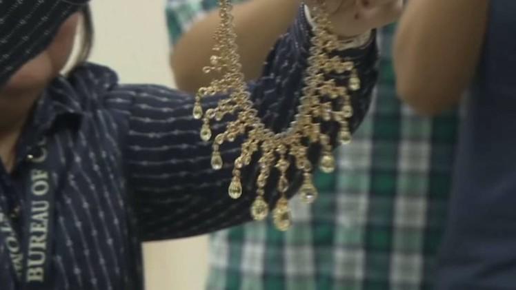الفلبين تعرض مجوهرات