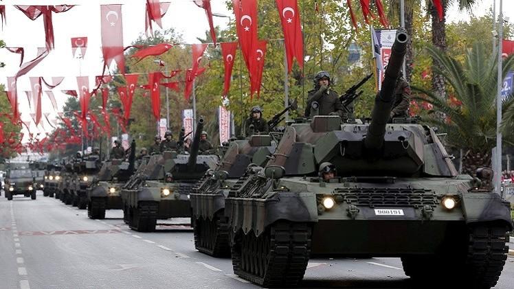مصادر عسكرية: تركيا ترسل دبابات إضافية إلى الحدود مع سوريا