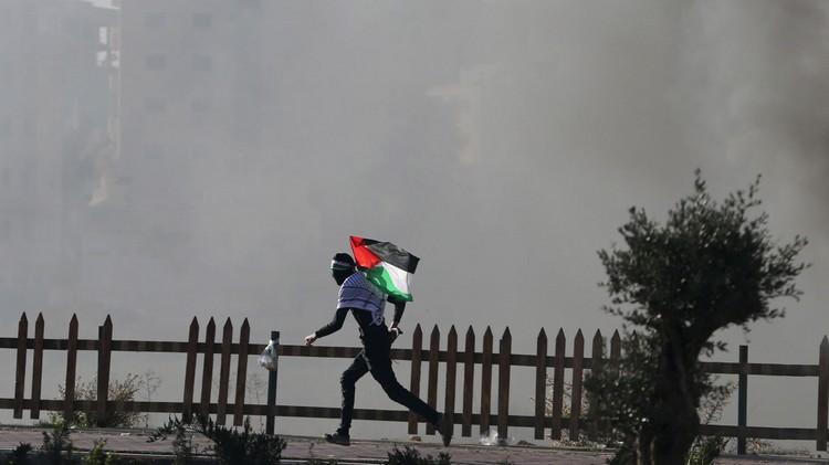 وسط تخبط إسرائيلي.. الفلسطينيون يحولون هبتهم إلى انتفاضة