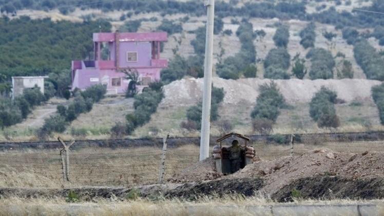 صحيفة: واشنطن تعنّف أنقرة وتطالبها بضبط حدودها مع سوريا