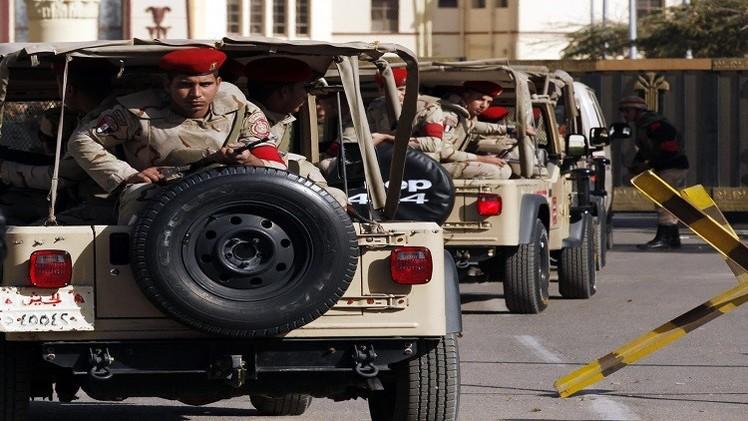 4 قتلى من الشرطة المصرية في إطلاق مجهولين النار على كمين في الجيزة (فيديو)