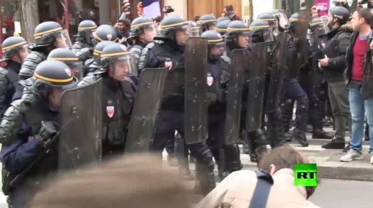 بالفيديو.. شرطة باريس تفرق المئات من الناشطين قبيل انطلاق مؤتمر المناخ
