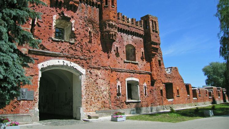 قلعة برست رمز لصمود الجندي السوفيتي