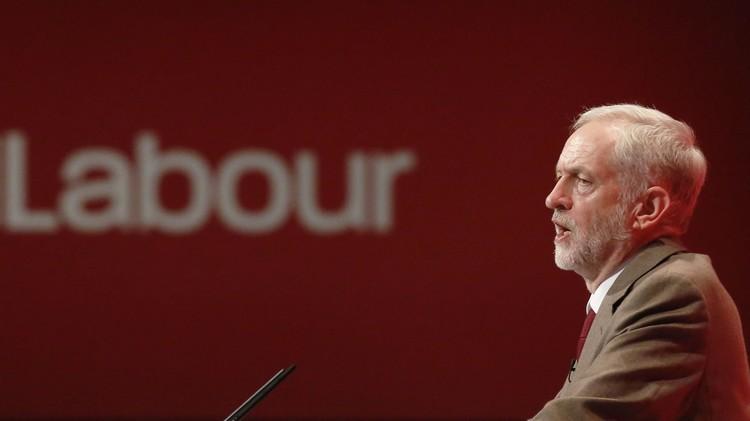 حزب العمال البريطاني يمنح أعضاءه حرية التصويت في البرلمان لدعم الغارات في سوريا