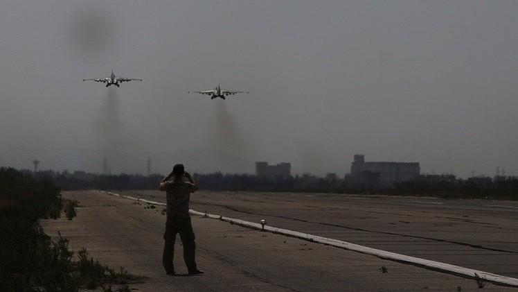 البيت الأبيض: روسيا كثفت غاراتها على داعش في سوريا