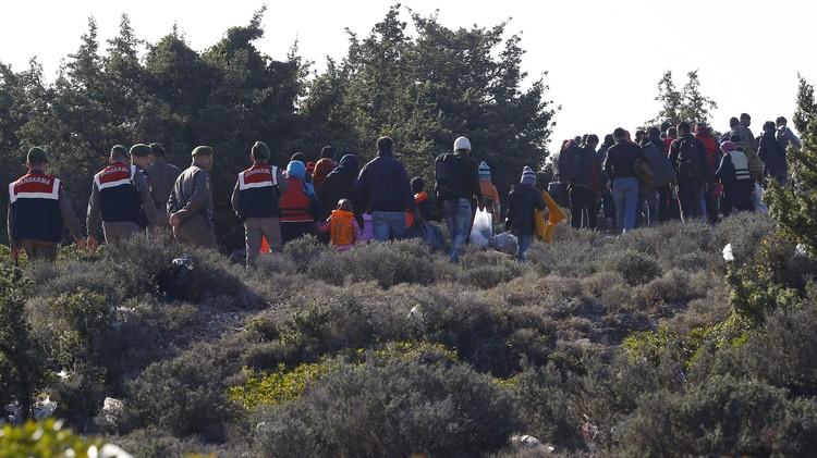 السلطات التركية توقف 1300 مهاجر قبل إبحارهم إلى اليونان