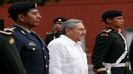 الرئيس الكوبي راؤول كاسترو أثناء زيارته للمكسيك 6 نوفمبر 2015
