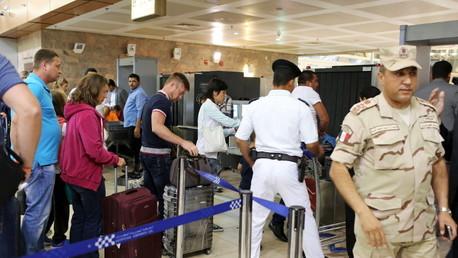 سياح روس في مطار شرم الشيخ