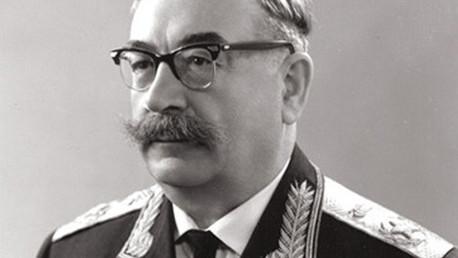 المارشال بافيل روتميستروف بطل سلاح المدرعات