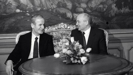 من الأرشيف (لقاء بين غورباتشوف والأسد)