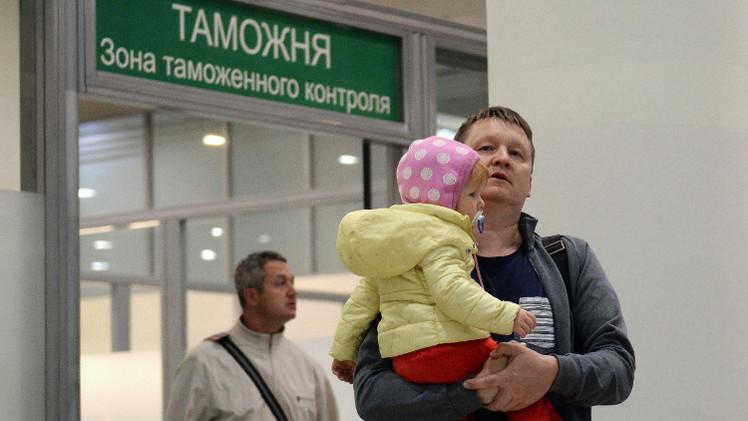عودة آخر السياح الروس من مصر ونقل كافة الأمتعة
