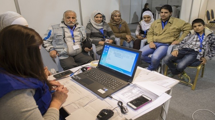 كندا تبدأ استقبال اللاجئين السوريين