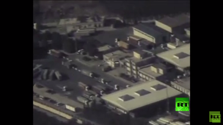 شاهد بالفيديو عبور شاحنات النفط الداعشي بدون عوائق من سوريا إلى تركيا
