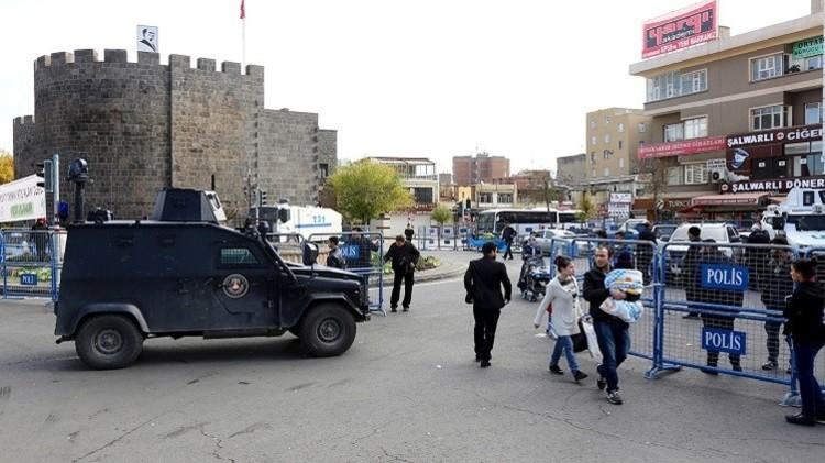 مقتل 4 وإصابة 10 بهجوم واشتباكات في تركيا