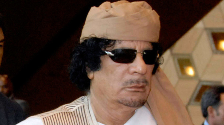 وزير بريطاني سابق: القذافي اتصل بي في بداية الأزمة وطلب المساعدة في قمع التمرد