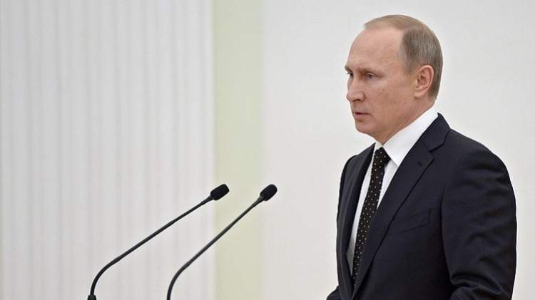 بوتين للعسكريين الروس: لا تسمحوا بعودة الإرهاب إلى روسيا