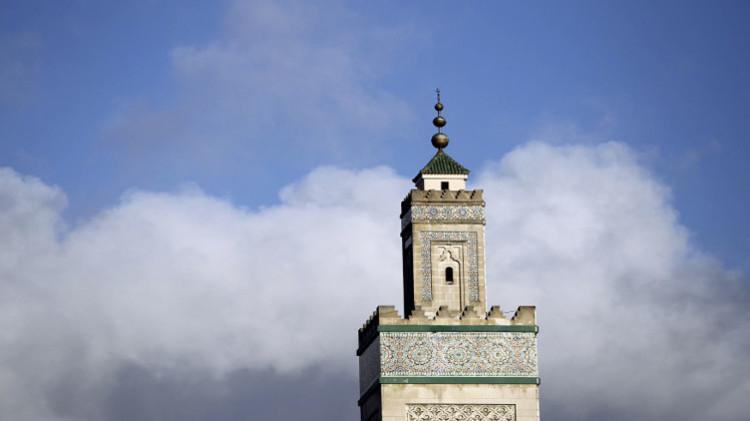 الجزائر تبدأ رسميا إجراءات الحصول على ملكية جامع باريس
