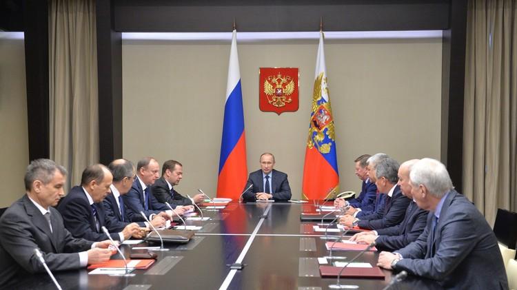 بوتين يبحث الوضع في سوريا مع مجلس الأمن الروسي
