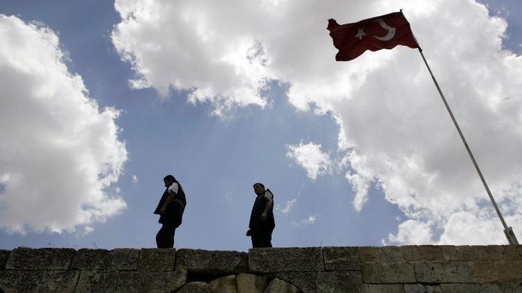 صحفي تركي: السلطات التركية تسمح بعالجة مسلحي
