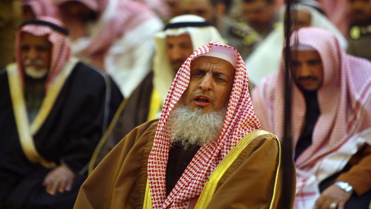 مفتى السعودية يخشى على تركيا كـ
