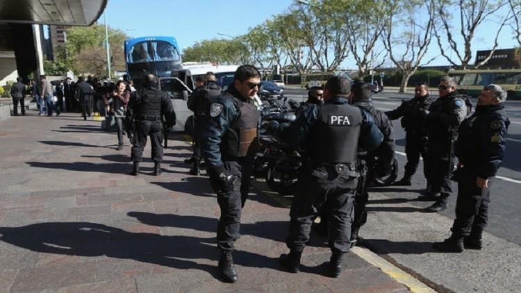 الأرجنتين توقف 6 سوريين دخلوا البلاد بجوازات سفر مزيفة