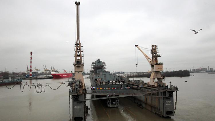 انفجار على متن سفينة حربية جزائرية يودي بحياة عامل روسي