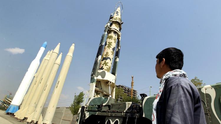 مصادر أمريكية: إيران اختبرت صاروخا باليستيا جديدا