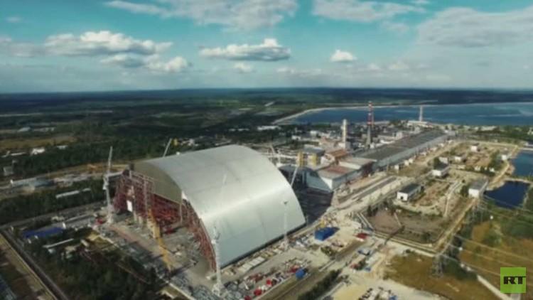 أعمال ترميم النعش المبني على المفاعل الذري المنكوب مستمرة في تشيرنوبيل (فيديو)
