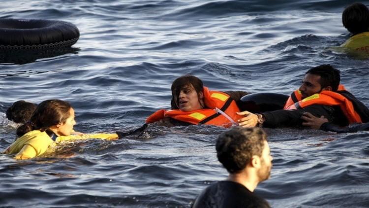 11 قتيلا بينهم 5 أطفال بغرق مركب للاجئين وسط بحر إيجه