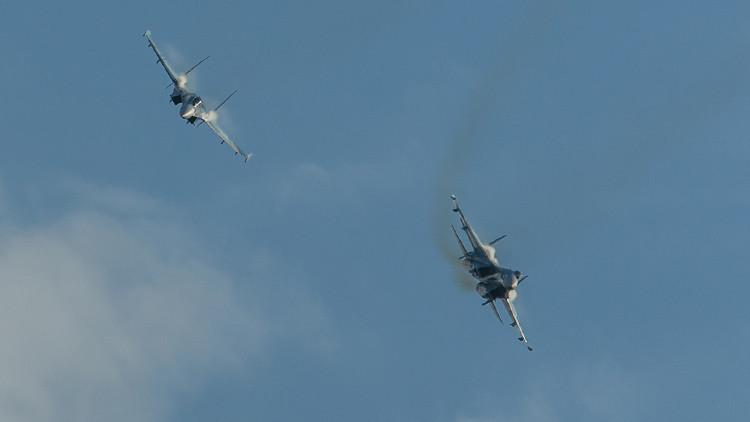 طيارون روس يتدربون على معركة جوية فوق سرعة الصوت
