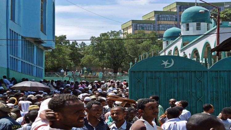 إصابة 17 شخصا بانفجار قنبلة يدوية بمسجد في أديس أبابا