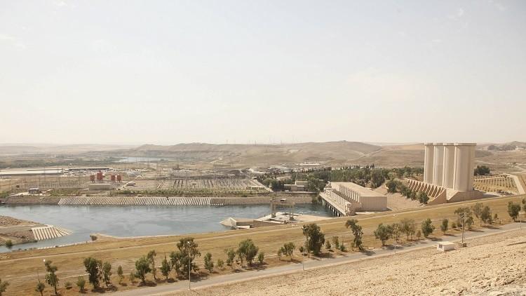 450 جنديا إيطاليا إلى سد الموصل