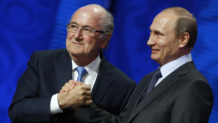بوتين: بلاتر يستحق جائزة نوبل للسلام