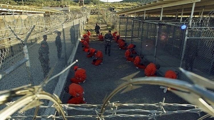 واشنطن توافق على نقل 17 معتقلا من غوانتانامو