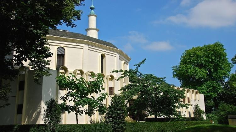 ألمانيا تغلق مسجدا ومركزا إسلاميا لدعمهما
