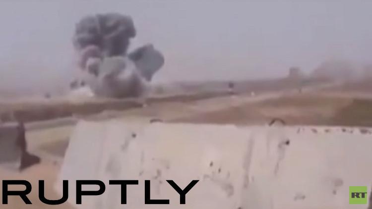 غارة أمريكية على اللواء 55 للجيش العراقي (فيديو)