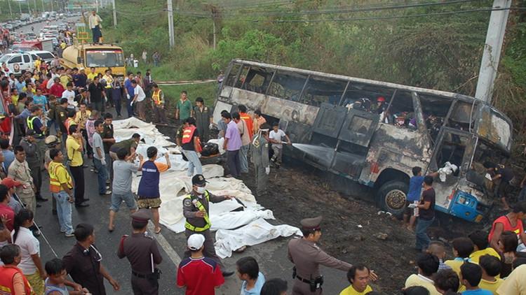 تايلاند.. مصرع 12 سائحا بحادث سير شمالي البلاد