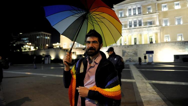البرلمان اليوناني يوافق على قانون