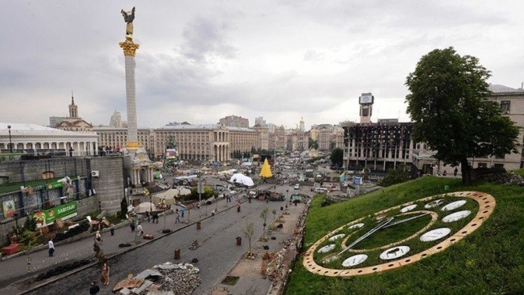 أوكرانيا تفرض حظرا تجاريا على روسيا
