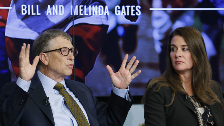 بيل غيتس وعقيلته أغنى زوجين في العالم