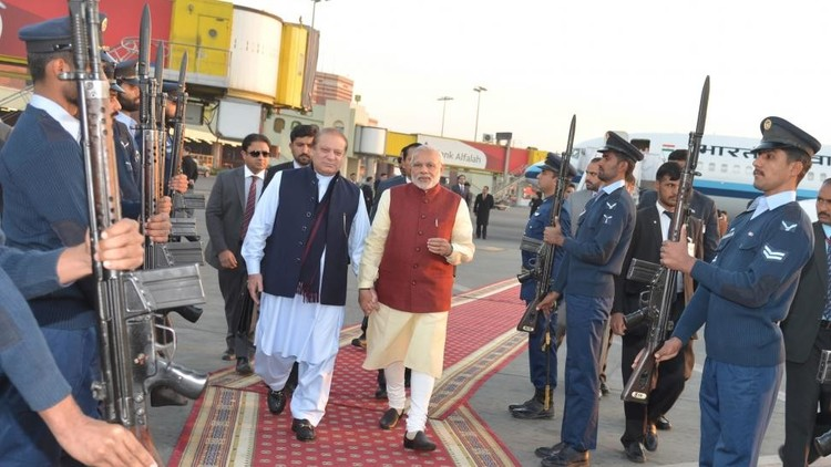 هجوم مسلح على قنصلية الهند في أفغانستان (فيديو)