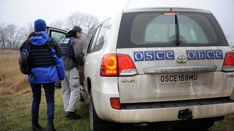 الخارجية الروسية: إطلاق النار على المراقبين الدوليين في دونباس عمل أوكراني استفزازي